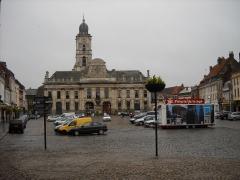 Hôtel de ville et beffroi - English:   The Main Square of Aire-sur-la-Lys, Pas-de-Calais, France.