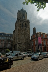 Beffroi - English: Boulogne-sur-Mer - Ville Haute - Place de la Résistance - View East on le Beffroi / the Belfry