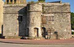 Citerne de l'église Notre-Dame - English: The Cistern of the Église Notre-Dame de Calais