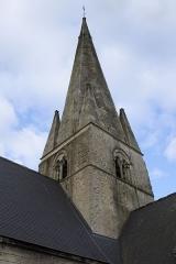 Eglise Saint-Martin - Deutsch: Katholische Kirche Saint-Martin in Esquerdes im Département Pas-de-Calais (Hauts-de-France/Frankreich), Turm