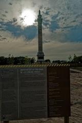 Colonne de la Grande Armée de Boulogne - English: Boulogne-sur-Mer - Rue Napoléon - View West on Colonne de la Grande Armée - 50 m high Column 1804-23 by Éloi Cabarre - Napoléon's Statue was put there in 1841