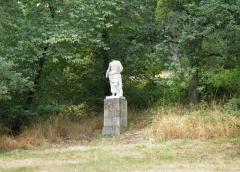 Domaine de la Garenne-Lemot (également sur communes de Clisson, dans la Loire-Atlantique, et Cugand, en Vendée) -  Statue antique d'Esculape. Domaine de la Garenne Lemot, Gétigné - Clisson, Loire-Atlantique, France.
