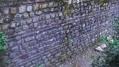 Enceinte gallo-romaine (vestiges) - English: Remnants of the Gallo-Roman wall of Nantes at Porte Saint-Pierre (exterior side)