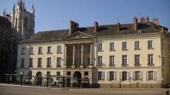 Hôtel de Montaudoin ou des Colonnes - Français:   Immeuble, 5 place du Maréchal-Foch, Cours Saint-Pierre et Cours Saint-André, Nantes, Loire-Atlantique