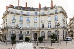 Immeuble sur cours Cambronne - Français:   Immeuble 3 place Graslin. (Nantes, Loire-Atlantique, Pays de la Loire, France)