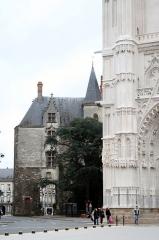 Porte gallo-romaine, dite du Bastion Saint-Pierre, dépendant de l'ancien évêché -  Porte Saint-Pierre à Nantes