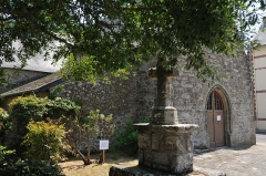 Chapelle de Penchâteau - Français:   Chapelle et croix de Penchâteau, Le Pouliguen, Loire-Atlantique, France