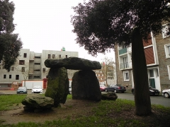 Dolmen trilithe - English: Dolmen des Trois Pierres, Saint-Nazaire, Loire-Atlantique, France.