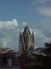 Ancienne abbaye Saint-Aubin, actuelle préfecture - Abbaye Saint-Aubin d'Angers, vue du château d'Angers