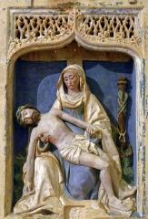 Collégiale Saint-Martin - Vierge de pitié en pierre polychrome (fin du XVe, début XVIe), église Saint-Martin d'Angers (Maine-et-Loire, France)