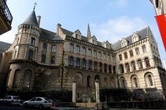 Ancien évêché ou Palais du Tau -  Les châteaux de la Loire.