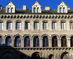 Ancien évêché ou Palais du Tau - Français:   Palai du Tau (façade) - Angers (France)