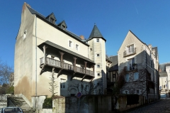 Maison - English:  Back side of Sabart's hotel and its neighbour house, 12th, 15th and 16th century houses, 11 to 19 place de la Laiterie (Milkery Place) in Angers, Maine-et-Loire, Pays de la Loire, France.