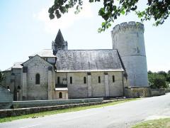 Tour de Trèves - Deutsch:   St-Aubin_mit_Donjon_in_Trèves