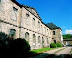 Abbaye de Fontaine-Daniel (restes) - English: Vue Est de l'abbaye