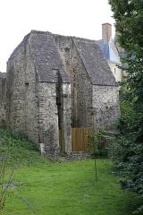 Château - Tour du pont-levis du château de Sainte-Suzanne.