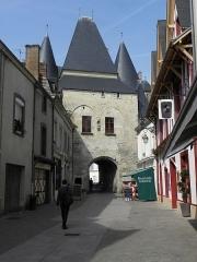 Porte - Français:   Porte Saint-Julien (côté ville) à La Ferté-Bernard (72).