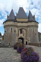 Porte - Deutsch: Porte Saint-Julien in La Ferté-Bernard im Département Sarthe (Pays de la Loire/Frankreich)
