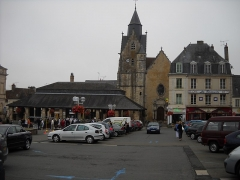 Halle aux grains - English: Carnot Square, in Mamers, Sarthe, France.