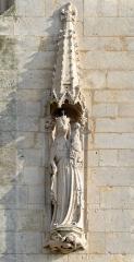 Cathédrale Saint-Julien - Vierge à l'enfant sur la tour de la Cathédrale Saint-Julien - Le Mans (Sarthe)