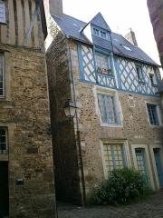Sol de maison à maison de la Cour d'Assé -  Sarthe Le Mans Grande Rue Cour D'Asse 17052012