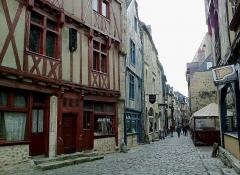 Sol de maison à maison -  Sarthe Le Mans Grande Rue Maisons 17052012