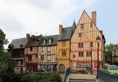 Sol de maison à maison - Nederlands: Le Mans (Frankrijk): de Rue du Pilier Rouge