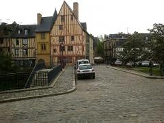 Sol de maison à maison -  Sarthe Le Mans Grande Rue Maison Du Pilier-Rouge 17052012