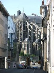 Sol de maison à maison - La cathédrale Saint-Julien du Mans vue depuis le sud des Jacobins.