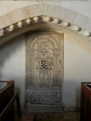 Eglise - Français:   Église Saint-Laurent de Neuvy-en-Champagne (72). Dalle funéraire d\'Antoine de Girois.
