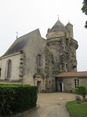 Château - English: Apremont: Easttower with chapel