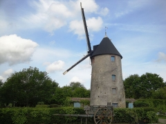 Moulin à vent dit Le Petit-Moulin - Français:   Petit Moulin de Châteauneuf.