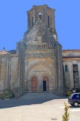 Eglise - Deutsch: Vouvant, Kirche, Nordfassade