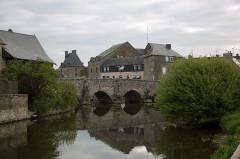 Vieux pont sur la Selune (également sur commune de Poilley) - English: Ducey, France: Old bridge over Sélune River
