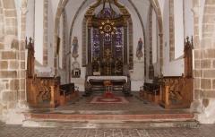 Eglise et cimetière qui l'entoure - Français:   Choeur de l\'Eglise Notre-Dame de Genêts