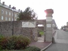Casernes du Roc - English: Entrance to the barracks Roc Granville.