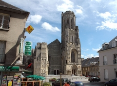 Eglise Notre-Dame - English: Church of St.-Lo in 2011