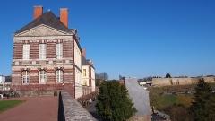Château - Français:   Torigni-sur-Vire (Normandie, France). La façade ouest du château des Matignon.