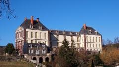 Château - Français:   Torigni-sur-Vire (Normandie, France). La façade sud du château des Matignon.