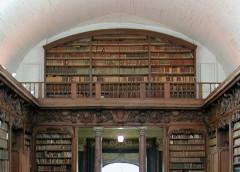 Bibliothèque municipale (ancienne chapelle des Jésuites) -