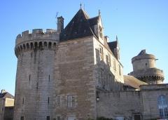 Ancien château - Français:   Alençon (Normandie, France). Le château des Ducs.
