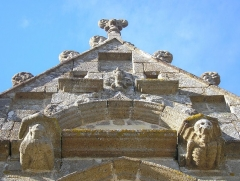 Eglise - Français:   Bréel (Normandie, France). Détail de la chapelle Corday (partie de l\'église Saint-Pierre-et-Saint-Paul).