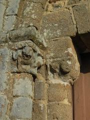 Chapelle Saint-Gervais -  Pilier gauche de la chapelle St Gervais, Briouze (Orne)