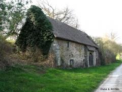 Ancienne abbaye de Belle-Etoile - English: Cliché: E. ROYNEL Grange aux Dîmes, Abbaye de Cerisy Belle-Etoile