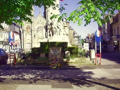 Eglise Notre-Dame de l'Assomption -  Monument aux Morts, La Ferté-Macé, Basse-Normandie