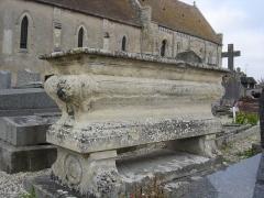 Eglise - Français:   tombe du prêtre Jean Jacques Durand mort le 15 mai 1862 dans sa 79è année, membre de la Société des Antiquaires de Normandie