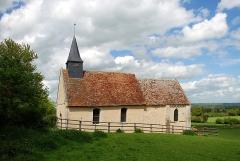 Eglise de Mirebel et son ancien cimetière - Français:   Biéville-Quétiéville (Calvados)