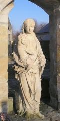 Restes de l'église - Français:   Bréville-les-Monts (Calvados, Normandie, France). Vierge à l\'Enfant de l\'ancienne église Saint-Pierre.