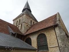 Eglise - Français:   Cambremer (Calvados) clocher roman de l\'église Saint-Denis