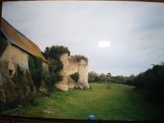 Ancien château fort - Français:   château de Courcy